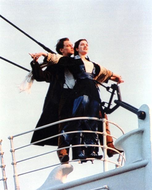 titanic-1997-leonardo-dicaprio-kate-winslet-12