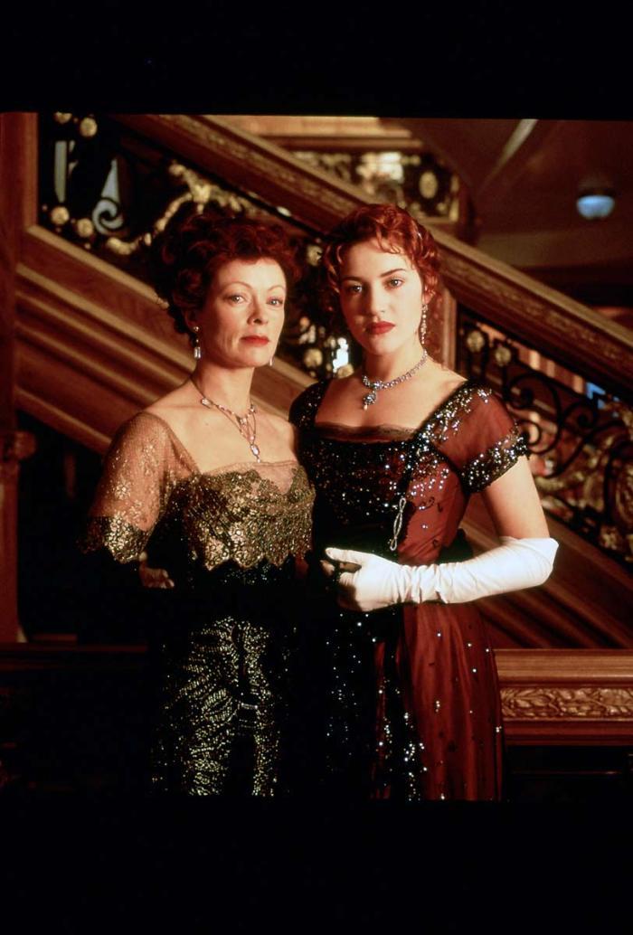 titanic-1997-leonardo-dicaprio-kate-winslet-18