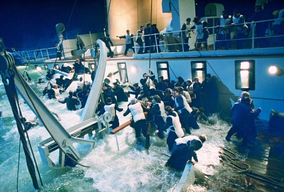 titanic-1997-leonardo-dicaprio-kate-winslet-9